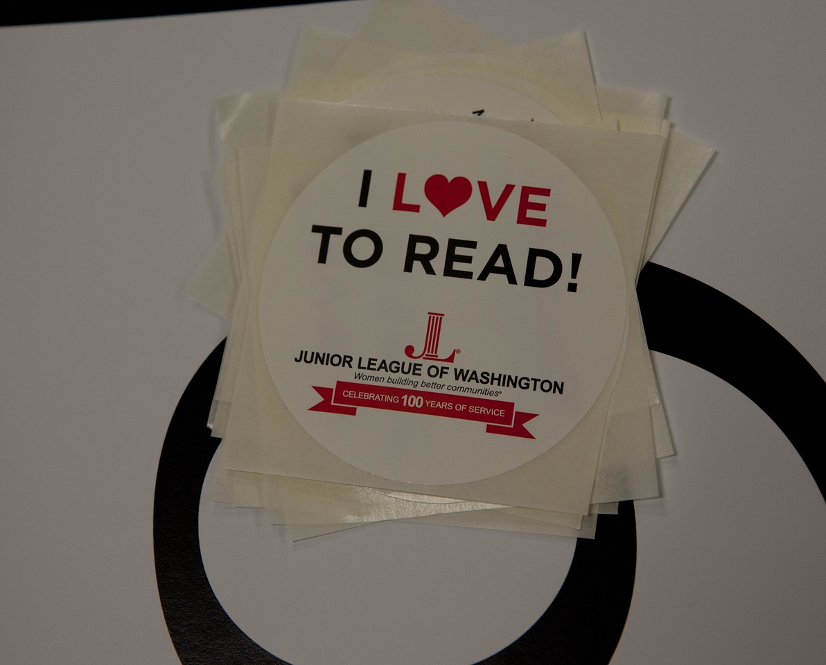 Junior League of Washington. Let's Read. Let's Move. Corporation for National and Community Service Photo.