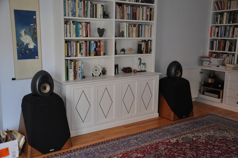 From almost 20 years, these active Waveform Maqch 17 speakers provided sound in our library main system.  The external active crossover, a 7 channel power amp, a DAC with Toslink input and a Intel NUC PC are in the cabinet to the right of the right speaker.