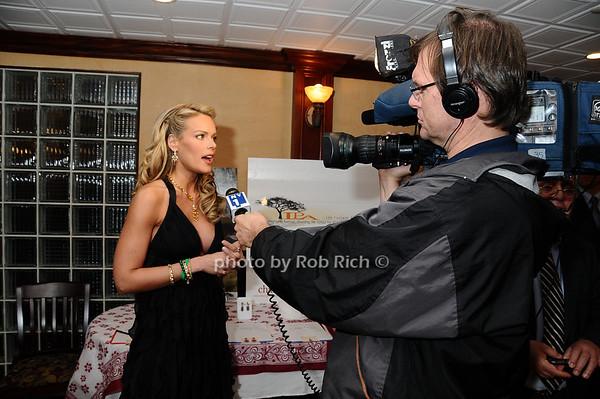 Heidi Albertsen<br /> photo by Rob Rich © 2009 robwayne1@aol.com 516-676-3939