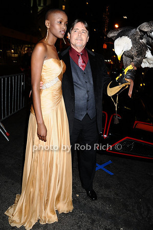 Miss Tanzania  Flaviana Matata, Al Cecere,Challenger (American Bald Eagle)<br /> photo by Rob Rich © 2009 robwayne1@aol.com 516-676-3939