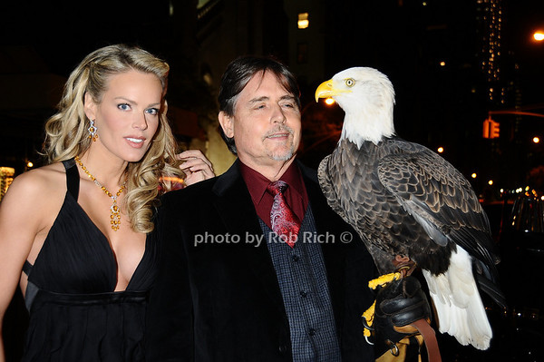 Heidi Albertsen, Al Cecere,Challenger (American Bald Eagle)<br /> photo by Rob Rich © 2009 robwayne1@aol.com 516-676-3939