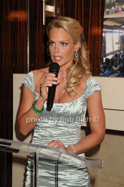 Heidi Albertsen <br /> photo by Rob Rich © 2008 robwayne1@aol.com 516-676-3939