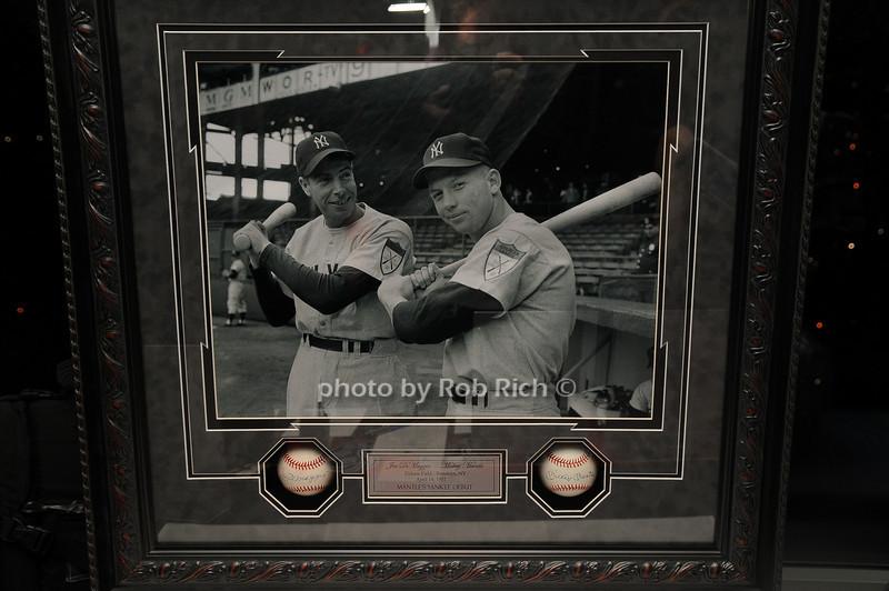 auction items<br /> photo by Rob Rich © 2008 robwayne1@aol.com 516-676-3939