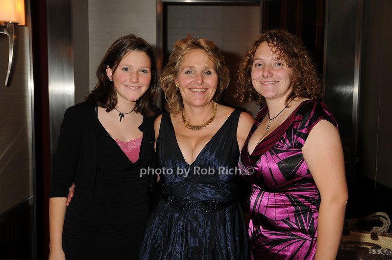 Abaigail Collen, Jane Collen, Jocelyn Collen<br /> photo by Rob Rich © 2008 robwayne1@aol.com 516-676-3939