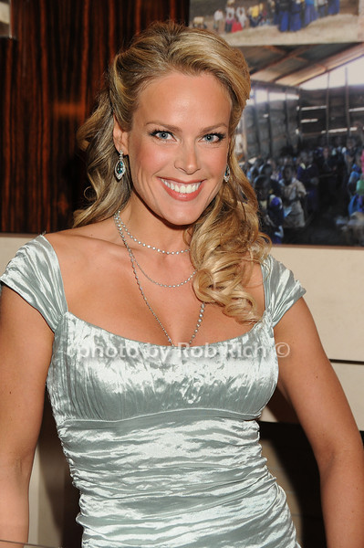 Heidi Albertsen<br /> photo by Rob Rich © 2008 robwayne1@aol.com 516-676-3939