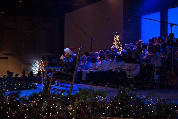 Light Meadowbrook Christmas 2015
