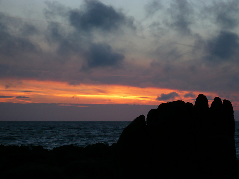 more strange rock formations, they look like something from Easter island from some angles.