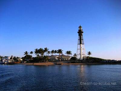 Hilsboro Inlet lighthouse, sunrise.  October 21, 2012