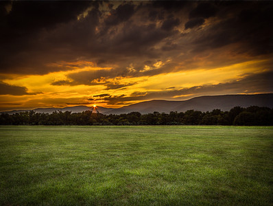 Beautiful gold sunset captured at Greenhill Park in Salem,VA