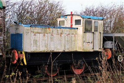 Ruston & Hornsby4wDM 421418/No7 at Lincs Wolds Railway 24/11/12
