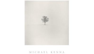//www.michaelkenna.net  meravigliosi paesaggi in bn di questo fotografo inglese