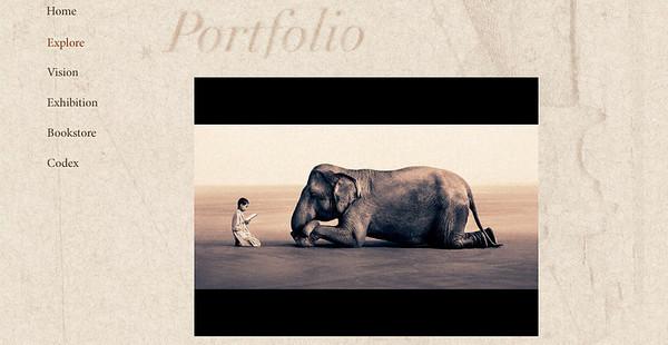 //www.ashesandsnow.org  Immagini a tema del fotografo canadese Gregory Colbert, improntate ad un grande rigore formale