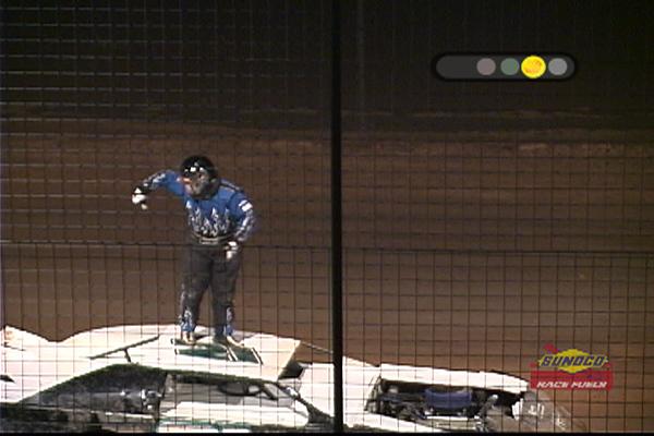 D:\My Pictures\LowResCopies\SpeedwayPics\RobotOnDaRoof