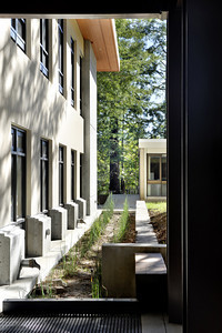 Cowell Student Health Center, Detail, UCSC. Hawley Peterson Snyder.