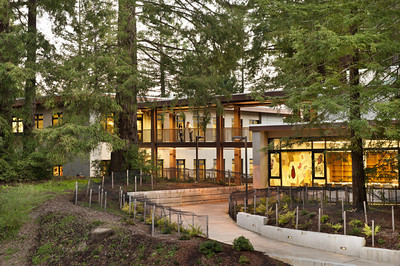 Cowell Student Health Center, Front, UCSC. Hawley Peterson Snyder.