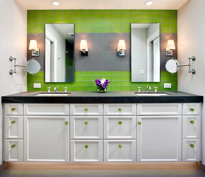 Children's Bathroom, Hillsborough, CA. TRG Architects, JP Lindstrom Inc.