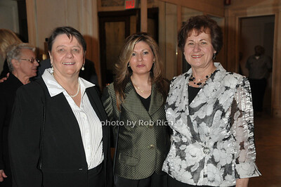 Maryann Mocarski, Elizabeth Falcone, Grace Logrande photo by Rob Rich © 2009 robwayne1@aol.com 516-676-3939