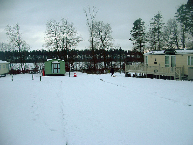 caravan in snow 09-2