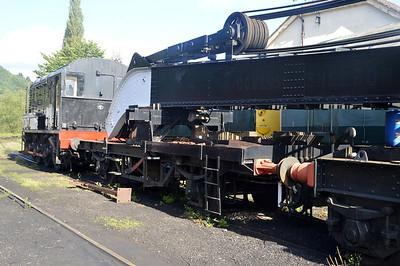 ADM396008 LNER Crane Runner with ADRC96718    26/08/15