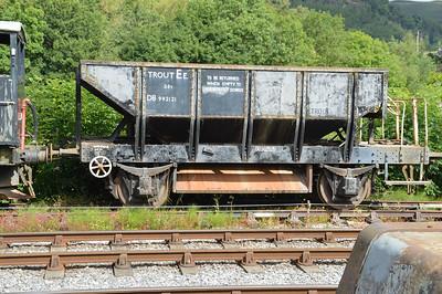 DB992121 25t Ballast Hopper Trout    24/08/15