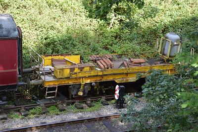 Unknown 4w 2 Plank Excavator Runner   24/08/15