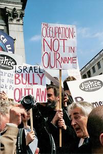 Netanyahu Rally, London 6 May 2002 9 SM