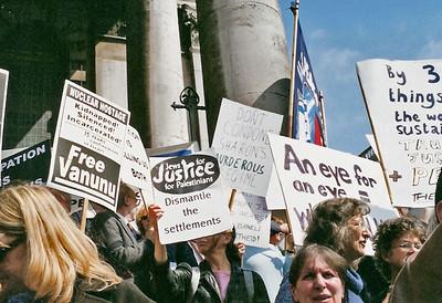 Netanyahu Rally, London 6 May 2002 11 SM