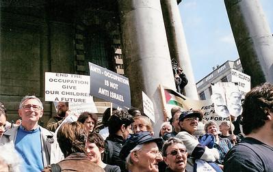 Netanyahu Rally, London 6 May 2002 7 SM