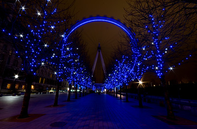 London Eye. 20 secs no filters just f/22 to get the diffraction stars.