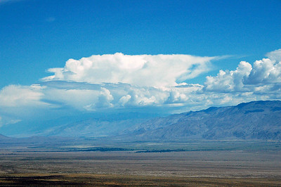 Afternoon thunderhead over Owens Valley