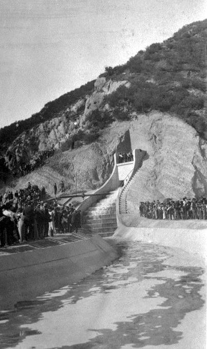 . (November 5, 1913) - Official Opening of the Water Gates. After the crowds are cleared from the hillside and the speeches completed, the water gates are opened and the LA Aqueduct water starts to flow.   (DWP)