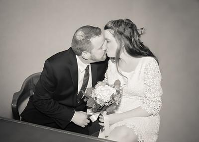 Kiss bw (1 of 1)