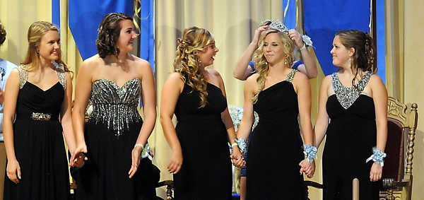 Pat Christman <br /> Aunikah Bastian is crowned Loyola's 2013 homecoming queen.