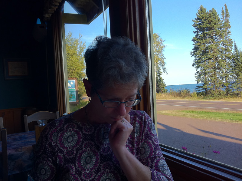 At the end of a nice day, at the Cascade Lodge Restaurant, with the Lake in the background.