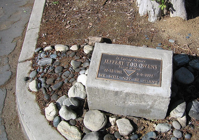 Memorial for Jeffery Todd Owens, Orange St. just North of University, Riverside, CA, 17 Jan 2007