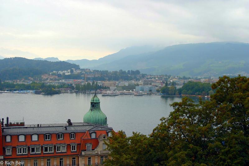 20040929Harbor Lake Lucern Switzerland0535