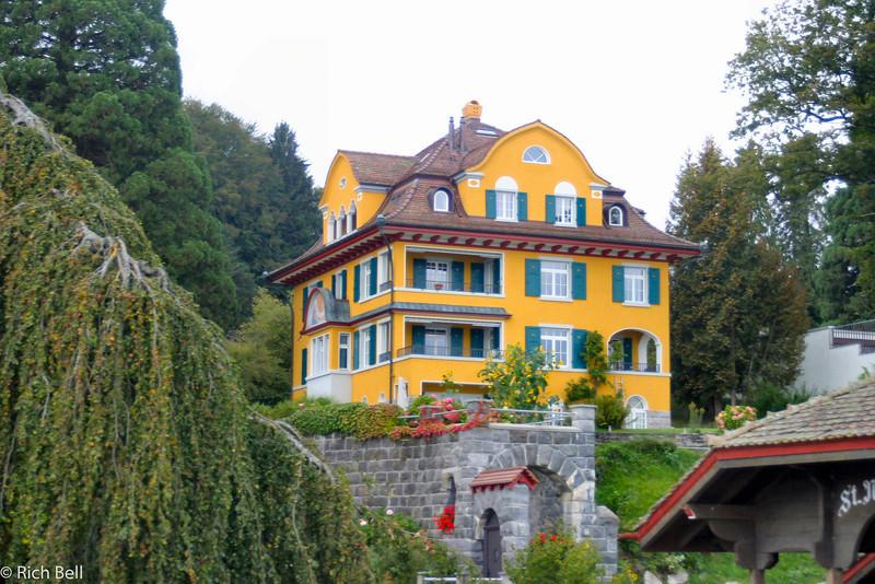 20040929Home on Lake Lucern Switzerland 40538