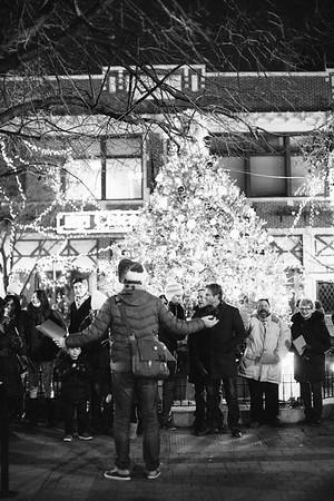 MD Lincoln Square Caroling Soirre 2014-4