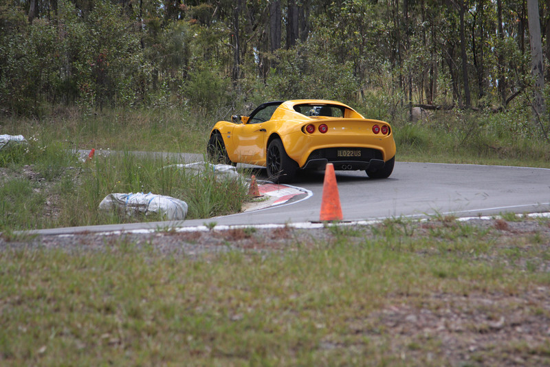 Here the Elise is on the way to clipping the late apex. Compare its position with the Turnham. Pretty good.