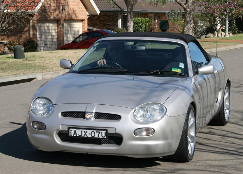 Arthur Scarf's MY 2001. UK build 21/01/2001, Australian plate May 2001. NSW Registered AJX07U. VIN: SAARDWBGB1D525618, Eng No. 18K4FM09399707. Silver (NMX), Interior Black black cloth (WEW). Hardtop fitted. Arthur was the President of the MGCC NSW.