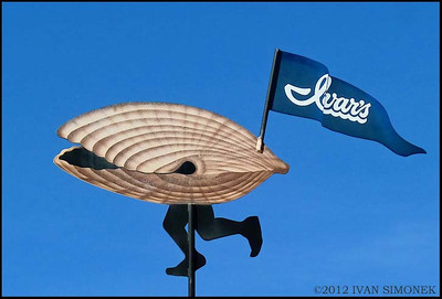 """RUNNING CLAM"",Ivar`s restaurant,Seattle,Wash.,USA."