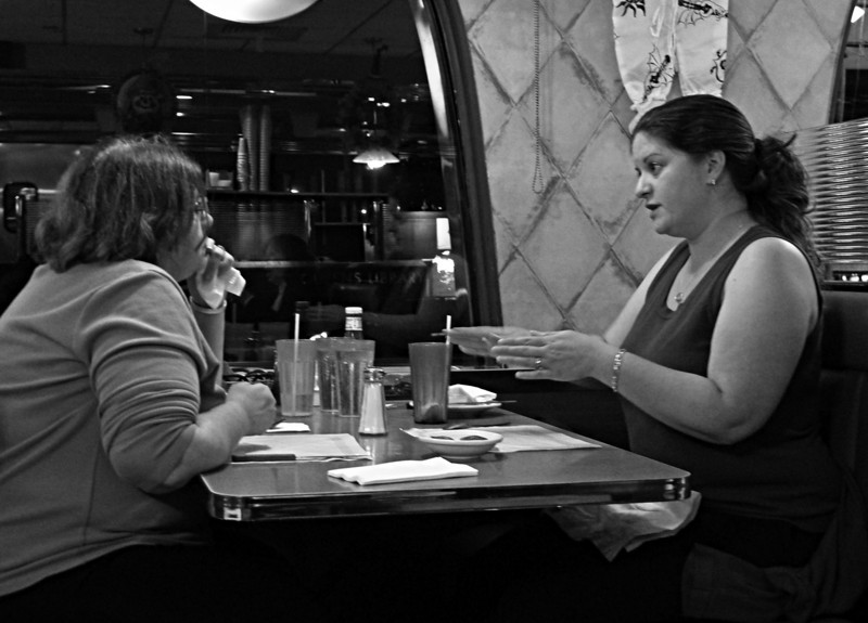 TYPICAL AMERICAN WOMEN IN DINER