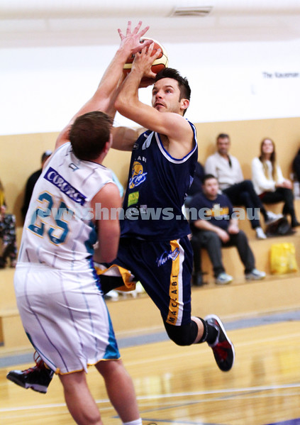 28-4-13. Basketball. Maccabi Warriors v Coburg at Bialik College. Jeff Devers. Photo: Peter Haskin
