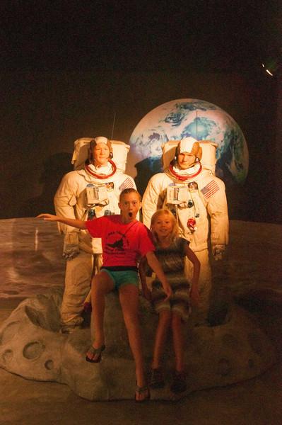 Neil Armstrong, Buzz Aldrin, Rachel and Elisabeth.