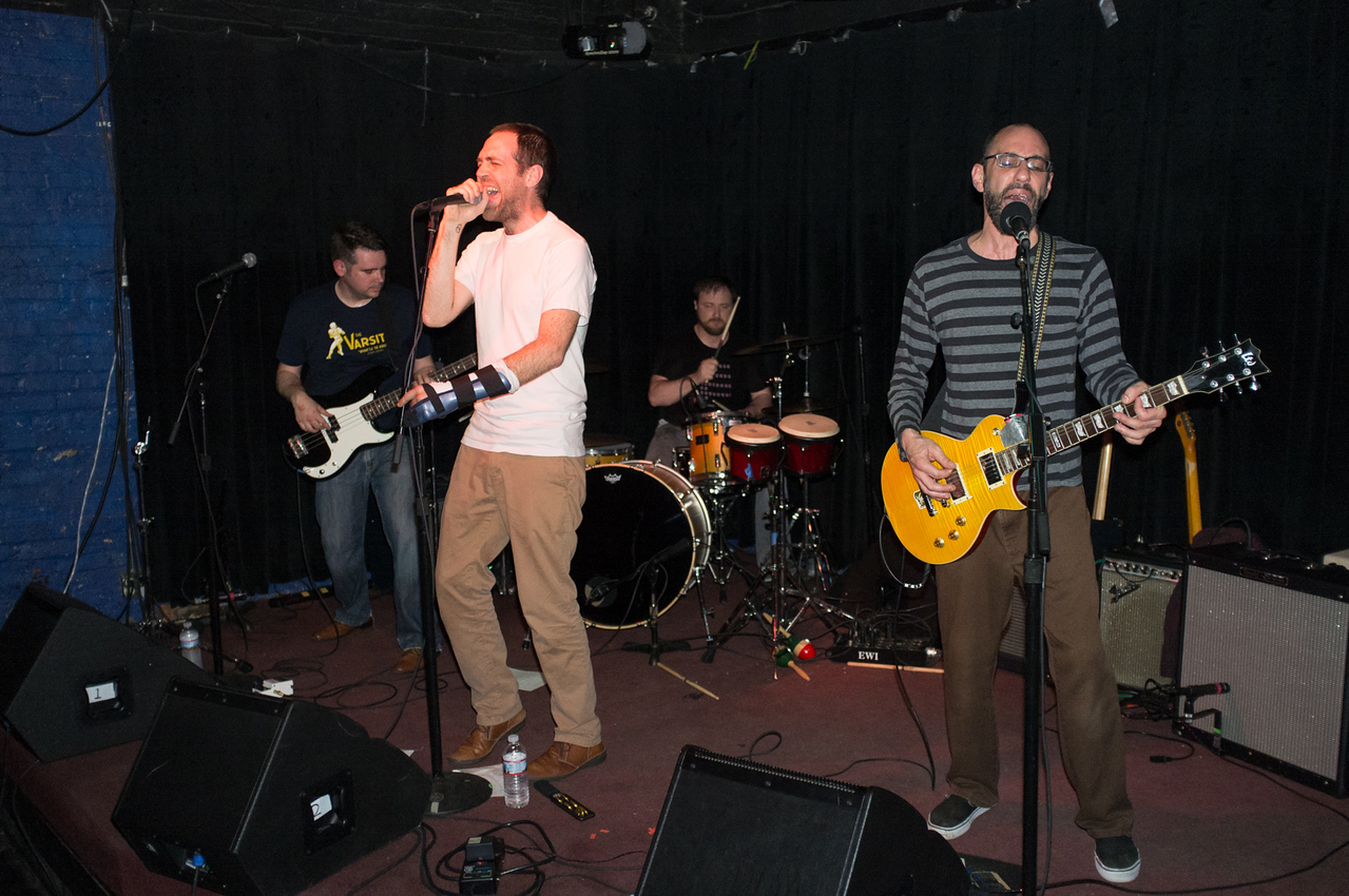 30 April 2015, Magnetar Flares perform at Black Cat.