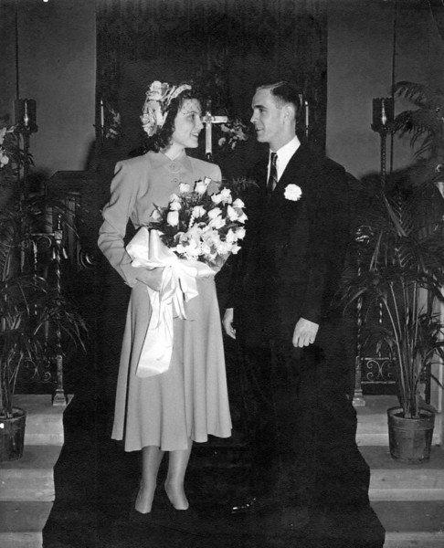 Wedding photo of Mary Kathleen Roy and Markell A. Main.