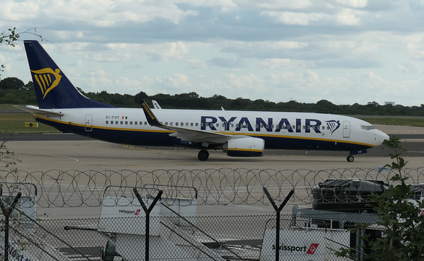 Boeing 737-8AS, Chania to Manchester -, EI-FOT, FR1255, Manchester Airport, Ryanair - 16/08/2018:17:12