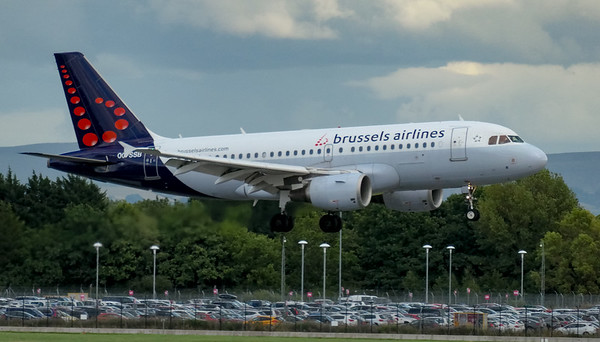 Airbus A319-111, Brussels Airlines, Brussels to Manchester - SN177, Manchester Airport, OO-SSB - 16/08/2018:17:05