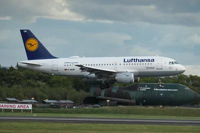 Airbus A319-114, D-AILW, Lufthansa, Manchester Airport, Munich to Manchester - LH2502 - 16/08/2018:17:02