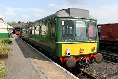 W51381 and 03399 from the return shuttle at Mangapps Farm Railway.